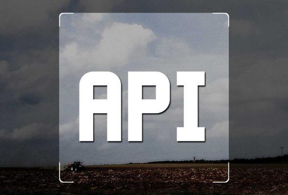 REST und JSON API frei verfügbar.